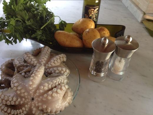 タコとジャガイモの前菜_a0136671_1541593.jpg