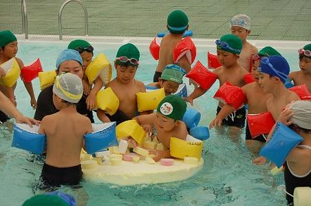 幼児アクアリズム体験会_d0010630_1650260.jpg