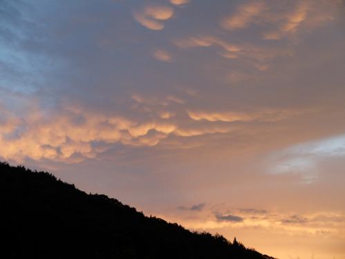 晴れのち雨 1:ジョセン地帯_a0180681_3141793.jpg