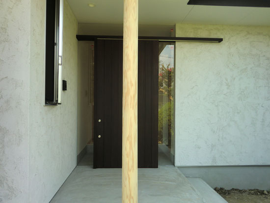 玄関ドアのメンテナンス_c0293787_23164395.jpg