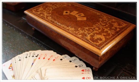 De vieilles cartes à jouer et leur coffret 古いトランプと木箱_d0184921_14564270.jpg