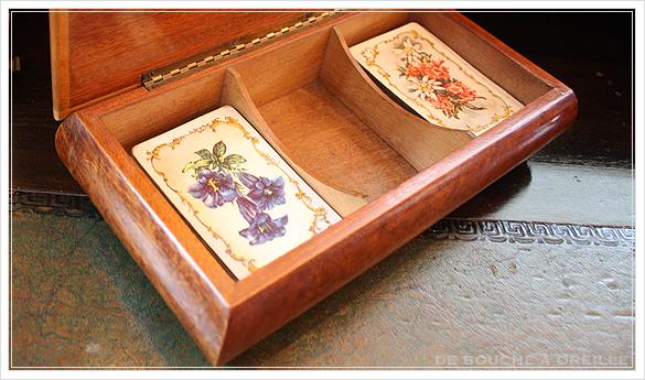 De vieilles cartes à jouer et leur coffret 古いトランプと木箱_d0184921_15421128.jpg
