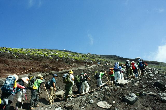 「一歩一歩の会」富士登山 partⅠ_a0079474_8453776.jpg