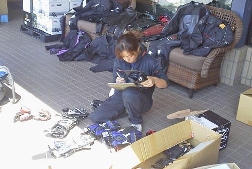 用品が大量入荷で副社長ダウン・・・_c0086965_11303614.jpg