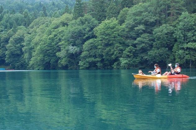 戸隠キャンプ2014⑤ 青木湖でカヤック_a0126590_08551038.jpg