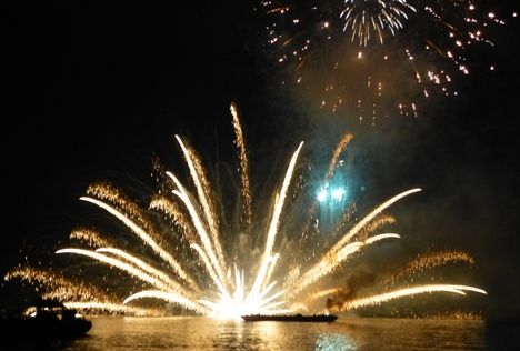 Firework Festival_a0255452_19535285.jpg