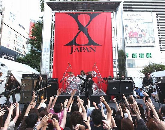 X JAPAN降臨! 新宿アルタ前でストリートライヴ&新曲MV撮影_e0197970_2121441.jpg