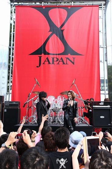 X JAPAN降臨! 新宿アルタ前でストリートライヴ&新曲MV撮影_e0197970_21222523.jpg