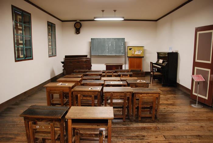 旧開智学校_e0171573_18304780.jpg