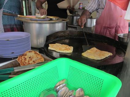 Mr and Mrs Mohgan's Super Crispy Roti Prata (カトン)_c0212604_22483785.jpg