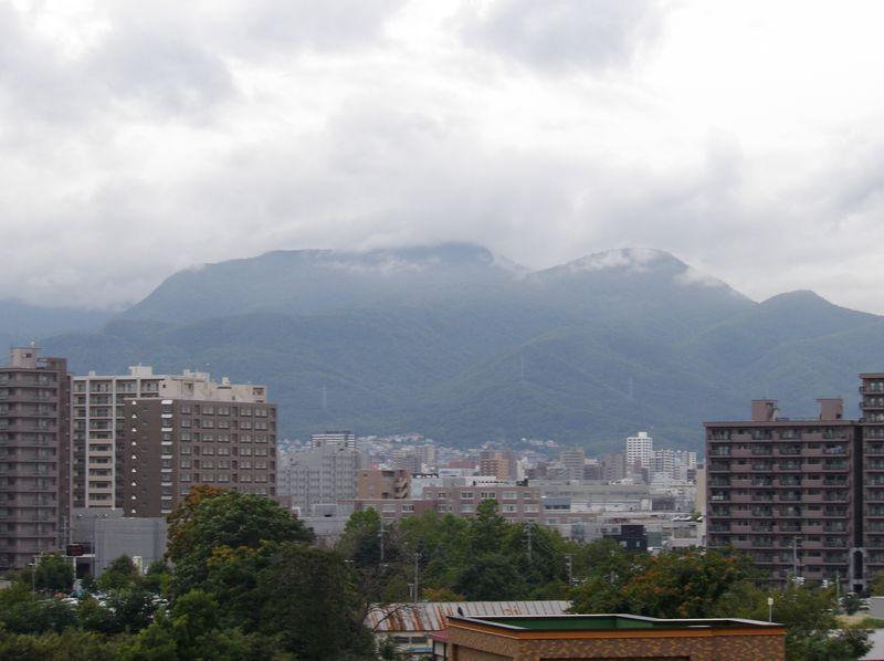 だんだんと雲が降りてきて_c0025115_1871346.jpg