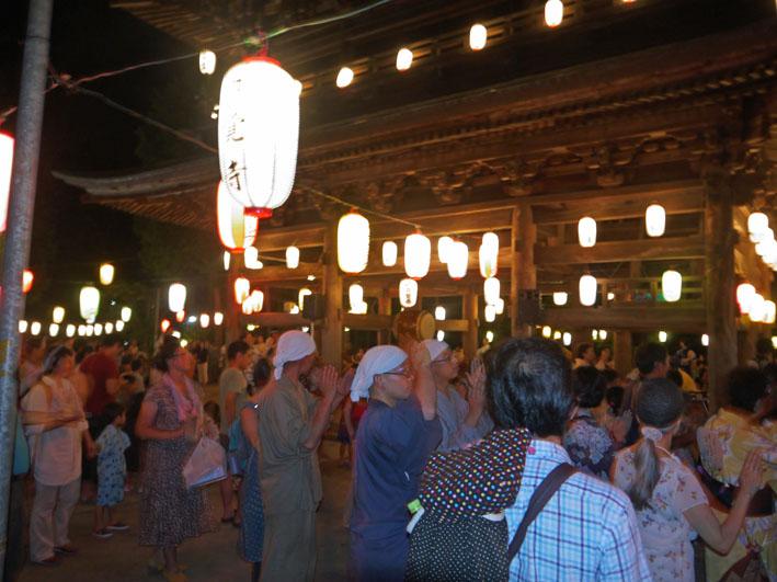 蒸し暑さの中に秋を感じた円覚寺・盆踊り大会:8・17_c0014967_945475.jpg