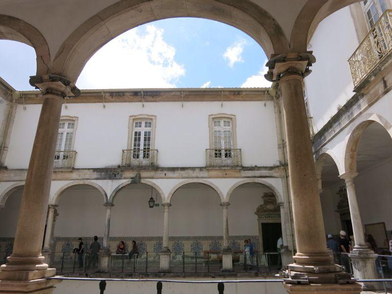 ポルトガル17コインブラ大学_e0233674_2142324.jpg