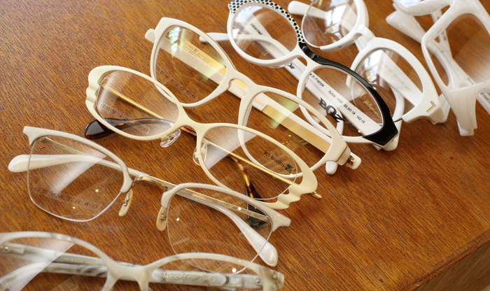 「White glasses」_f0208675_1511955.jpg