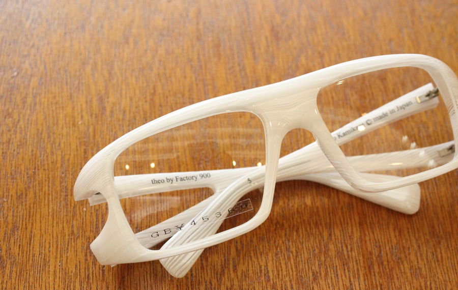 「White glasses」_f0208675_15301988.jpg