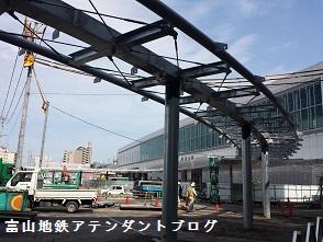 富山地方鉄道とJR線の接続がある、駅の案内_a0243562_08073089.jpg