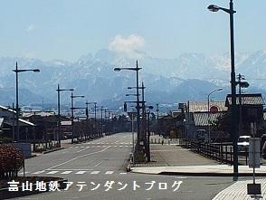 富山地方鉄道とJR線の接続がある、駅の案内_a0243562_08101839.jpg