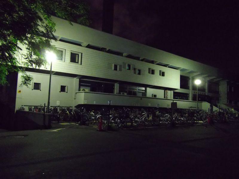 夜の帰り道:北大構内_c0025115_2253536.jpg