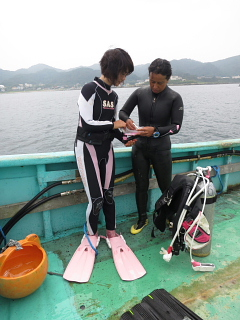 ダイビングにおける女性の適性度。_b0141773_231576.jpg