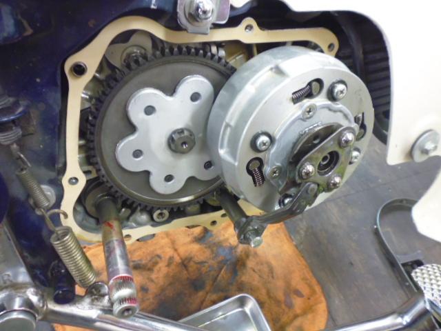 C90 キック修理_e0114857_2075535.jpg