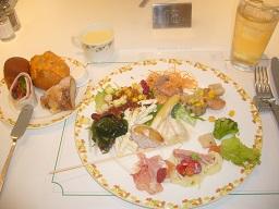 食べ放題で幸せ~~~_a0264589_2085030.jpg