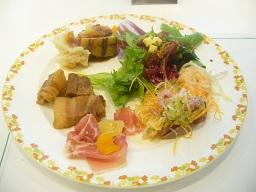 食べ放題で幸せ~~~_a0264589_2093115.jpg