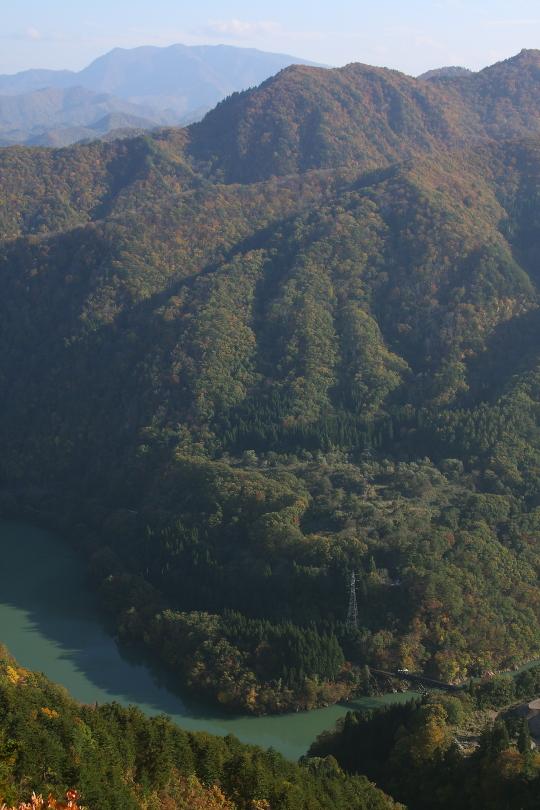 紅葉の山に白い蒸気 - 2013年・只見線 -  _b0190710_029855.jpg