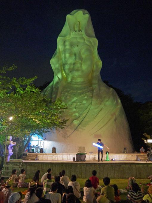大船ビアフェスタで夜景眺めながら北鎌倉の恵みを味わう_c0014967_23213386.jpg