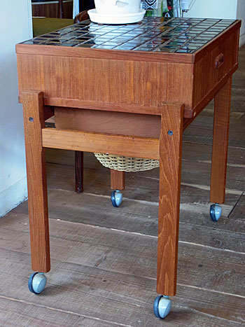sewing table_c0139773_17521436.jpg