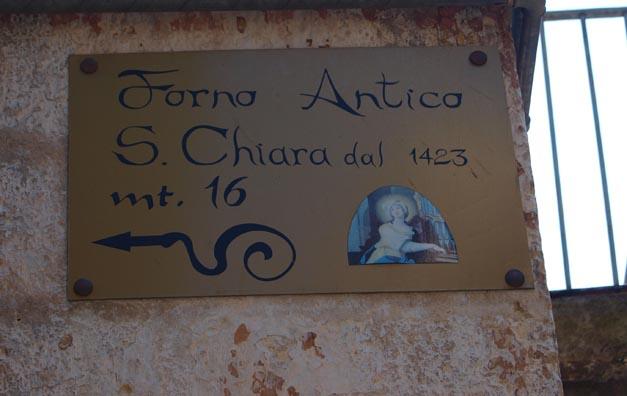 美味しいパンを探して ALTAMURAの街へーープーリア旅行記2014_c0179785_1144514.jpg
