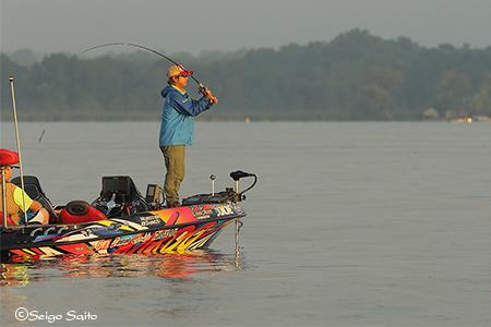 Bassmaster Elite Series #8 Cayuga Lake, NY  2日目_a0097491_950088.jpg