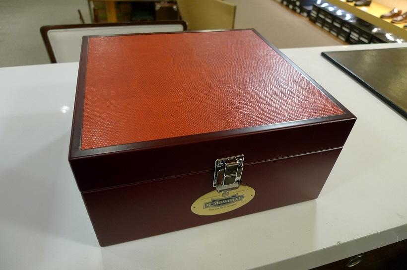 新しいシューケアボックスが入荷しました_d0166598_12472333.jpg