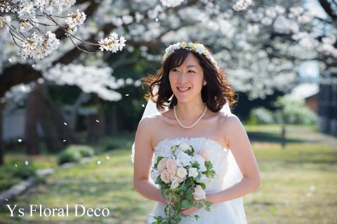 桜の咲くころに 白とピンクの花冠_b0113510_0475636.jpg