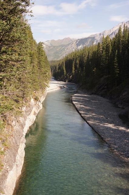 カナダ旅行(7 最終回)=バンフ ラフティング= _f0314272_06244155.jpg