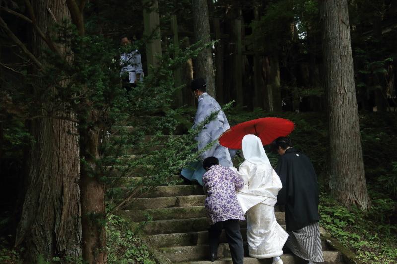 遠野早池峯神社狐の嫁入り_f0075075_2001568.jpg