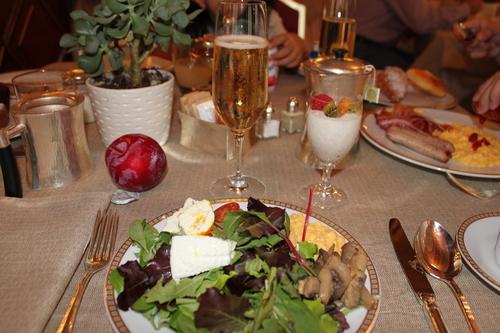 イタリアへの旅その10―ミラノドォーモの上、ディナー、Hotel Principe de Savoiaの朝食、帰路_e0123104_721387.jpg