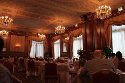 イタリアへの旅その10―ミラノドォーモの上、ディナー、Hotel Principe de Savoiaの朝食、帰路_e0123104_723645.jpg