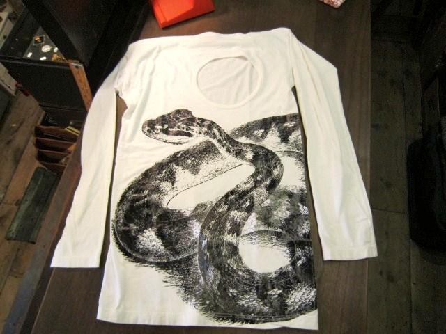 ヴィヴィアン・ウエストウッドとワールズエンドクラシックスのTシャツ_a0182112_1834216.jpg