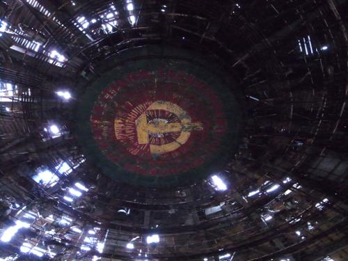ブルガリア 旧共産党の廃墟_b0141474_12493151.jpg