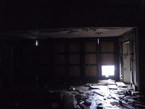 ブルガリア 旧共産党の廃墟_b0141474_1373018.jpg