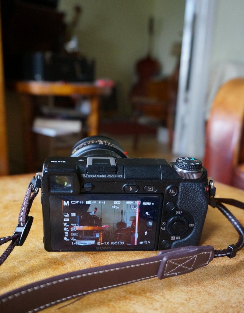 Leica M ≧ NEX6_c0180686_06222004.jpg