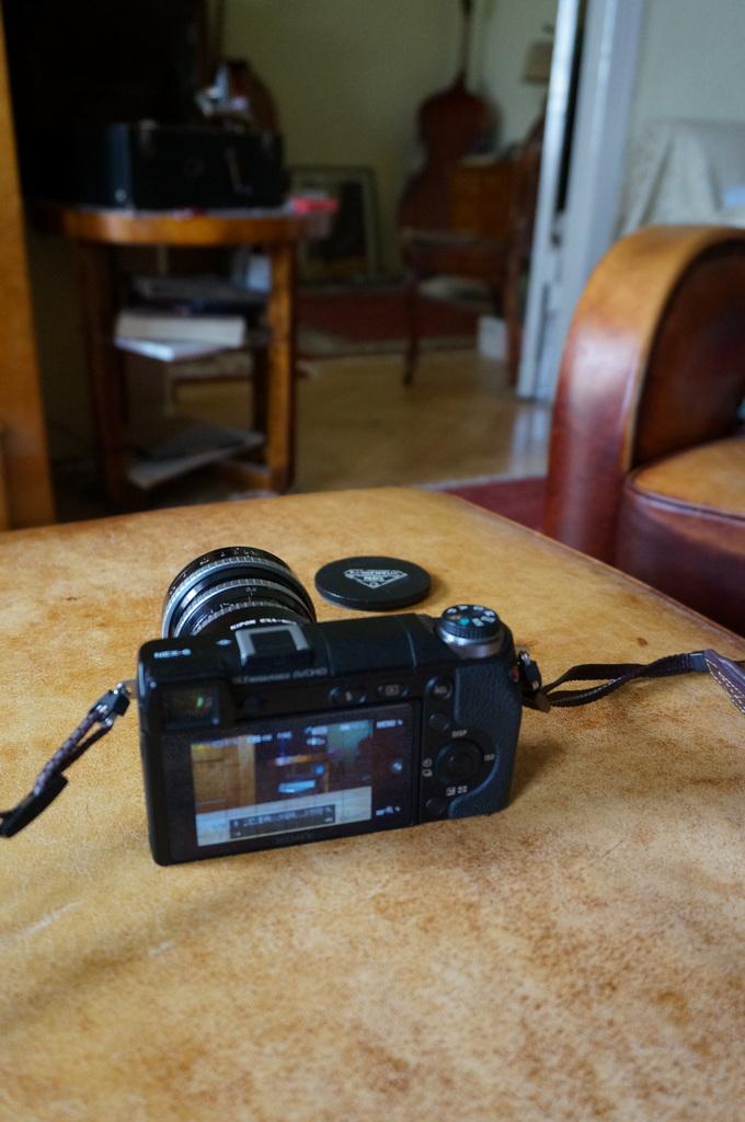 Leica M ≧ NEX6_c0180686_06261160.jpg