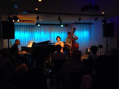 Jazzlive comin 広島 本日火曜日のライブ!_b0115606_11475587.jpg
