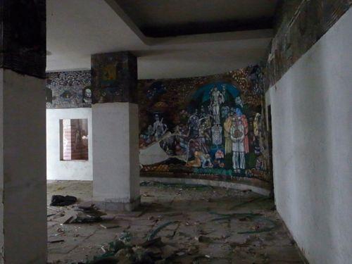 ブルガリア また廃墟_b0141474_15442426.jpg