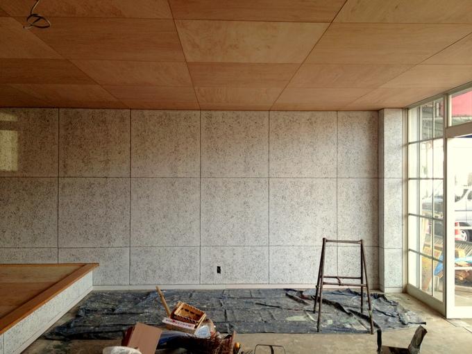 壁が塗れました。_c0143482_18172335.jpg