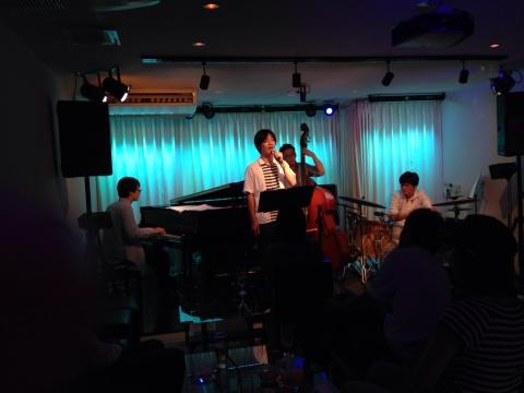Jazzlive comin 広島 本日木曜日のライブ_b0115606_12053498.jpg
