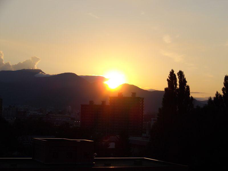 日没の位置もすっかり南に戻り_c0025115_18253428.jpg