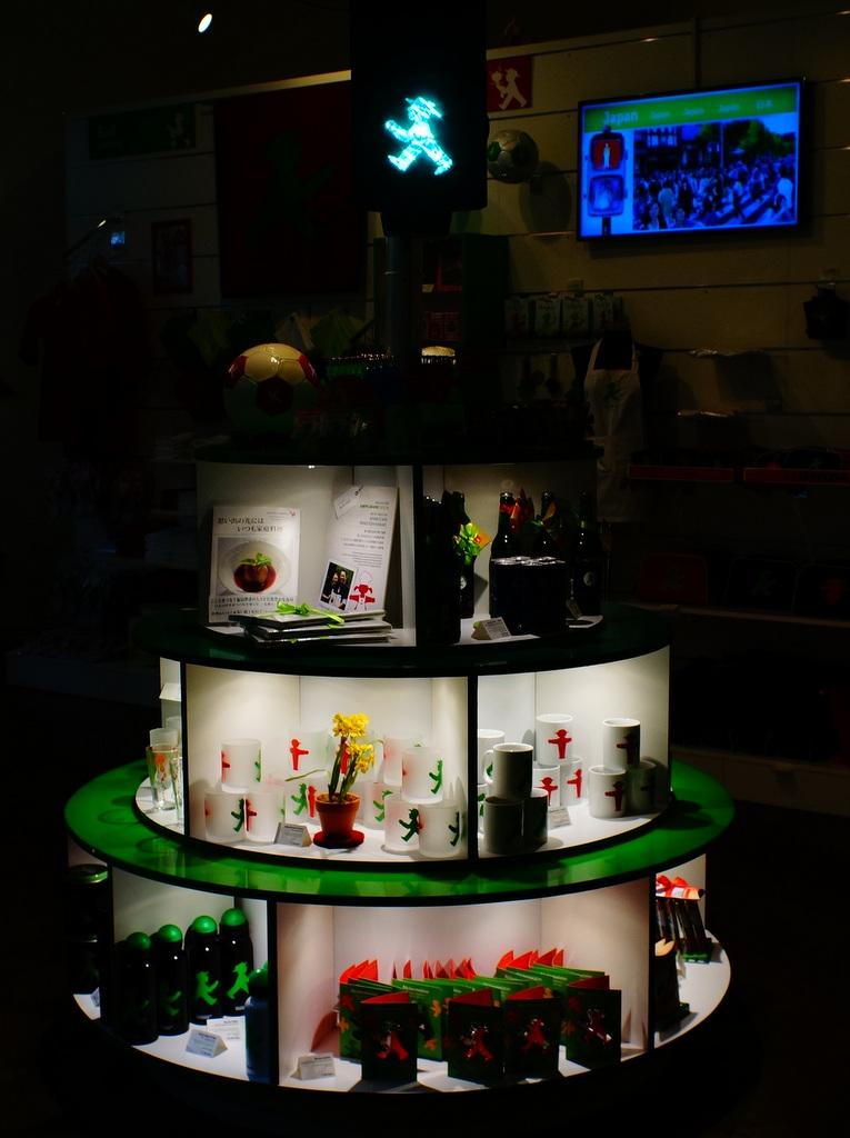 AMPELMANNベルリン本店にて。_c0180686_18251300.jpg