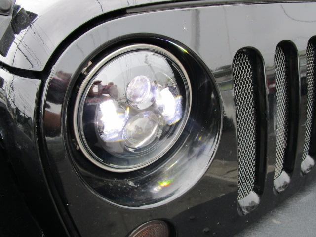 JK ラングラー カスタム LED ヘッドライト & LED フォグ& マフラー_b0123820_1134105.jpg