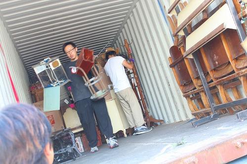 本日家具雑貨届きました!!_a0108963_11282985.jpg
